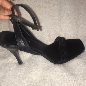 Gucci High Heels *Defective*